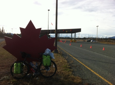 Arriving at a quiet Canadian border. I rode straight past the red light by mistake!
